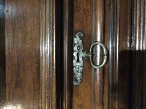 cabinet2-detail-serrure-tiroir